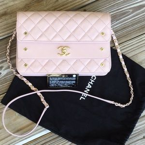 Chanel shoulder bag NEW never used